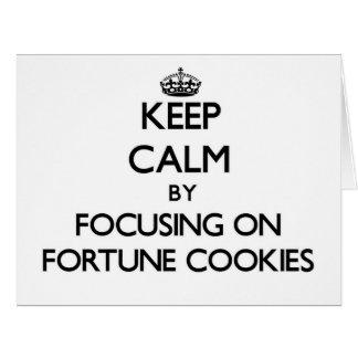 Guarde la calma centrándose en las galletas de la  tarjeton