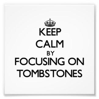 Guarde la calma centrándose en las piedras sepulcr