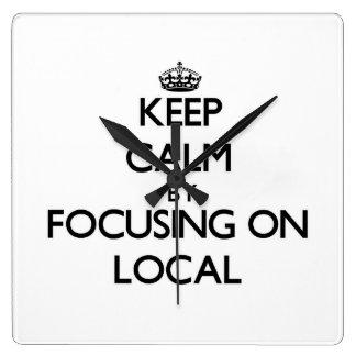 Guarde la calma centrándose en Local Relojes De Pared