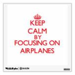 Guarde la calma centrándose en los aeroplanos vinilo