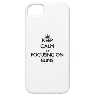 Guarde la calma centrándose en los bollos iPhone 5 protectores