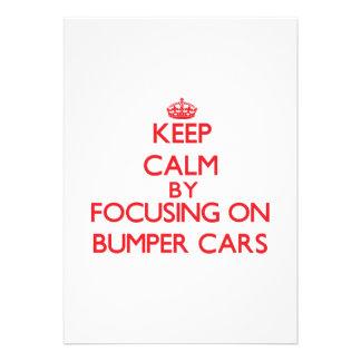 Guarde la calma centrándose en los coches de invitacion personalizada