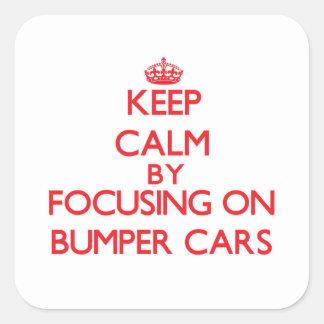Guarde la calma centrándose en los coches de calcomanias cuadradas