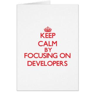 Guarde la calma centrándose en los desarrolladores tarjeta de felicitación