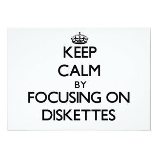 Guarde la calma centrándose en los disquetes invitación 12,7 x 17,8 cm