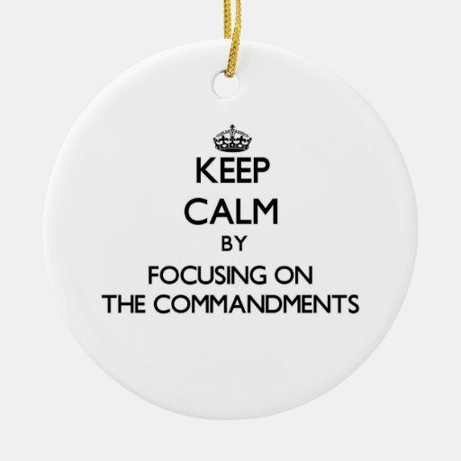 Guarde la calma centrándose en los mandamientos ornamentos de reyes magos