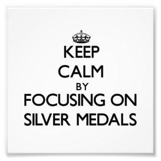 Guarde la calma centrándose en los medallistas de  impresiones fotograficas