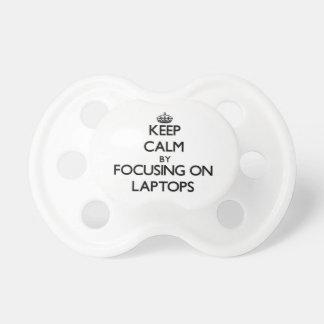 Guarde la calma centrándose en los ordenadores por chupetes para bebes
