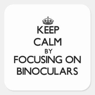 Guarde la calma centrándose en los prismáticos colcomanias cuadradas