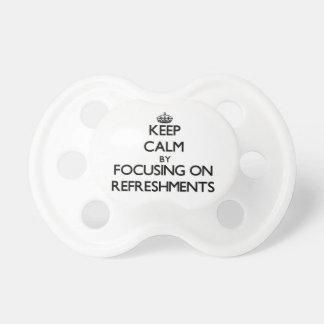 Guarde la calma centrándose en los refrigerios chupete de bebé