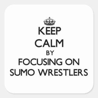 Guarde la calma centrándose en luchadores del sumo calcomanías cuadradases