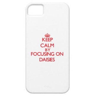 Guarde la calma centrándose en margaritas iPhone 5 Case-Mate fundas
