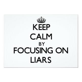 """Guarde la calma centrándose en mentirosos invitación 5"""" x 7"""""""