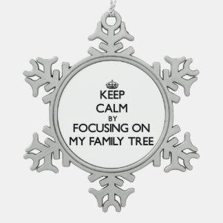 Guarde la calma centrándose en mi árbol de familia adorno