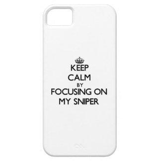 Guarde la calma centrándose en mi francotirador iPhone 5 protector