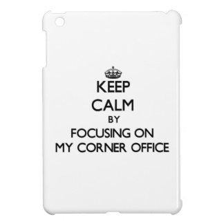 Guarde la calma centrándose en mi oficina de la es