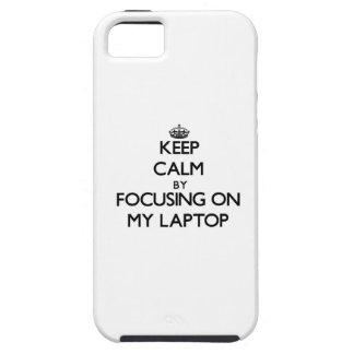 Guarde la calma centrándose en mi ordenador iPhone 5 funda