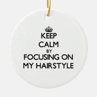 Guarde la calma centrándose en mi peinado ornamento para reyes magos
