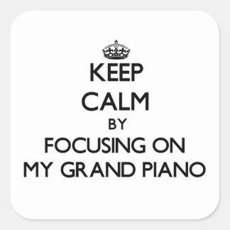 Guarde la calma centrándose en mi piano de cola pegatina cuadrada