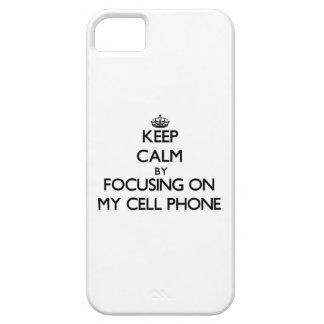 Guarde la calma centrándose en mi teléfono celular iPhone 5 Case-Mate fundas
