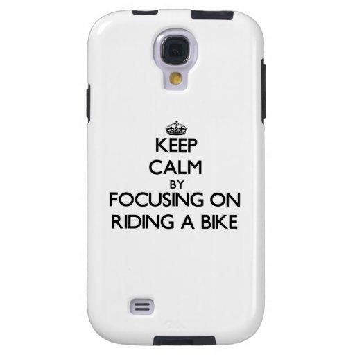 Guarde la calma centrándose en montar una bici