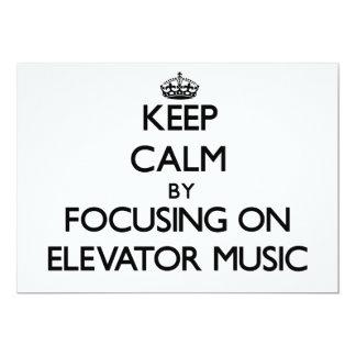 Guarde la calma centrándose en música del elevador comunicado personal