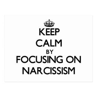 Guarde la calma centrándose en narcisismo postal