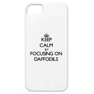 Guarde la calma centrándose en narcisos iPhone 5 carcasa