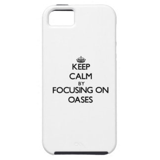 Guarde la calma centrándose en oasis iPhone 5 protector