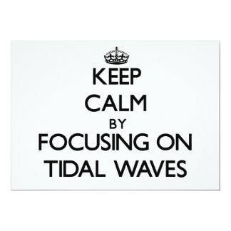 Guarde la calma centrándose en ondas de marea invitacion personalizada
