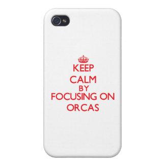 Guarde la calma centrándose en orcas iPhone 4 cárcasas