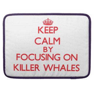 Guarde la calma centrándose en orcas fundas para macbook pro