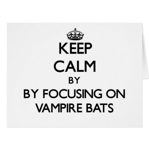 Guarde la calma centrándose en palos de vampiro tarjeta de felicitación grande
