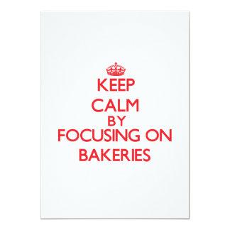 Guarde la calma centrándose en panaderías invitación 12,7 x 17,8 cm