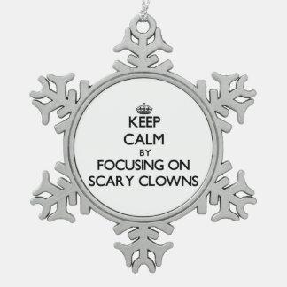 Guarde la calma centrándose en payasos asustadizos