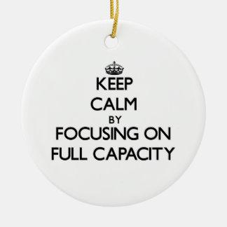 Guarde la calma centrándose en plena capacidad ornamentos de navidad