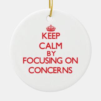 Guarde la calma centrándose en preocupaciones adorno para reyes