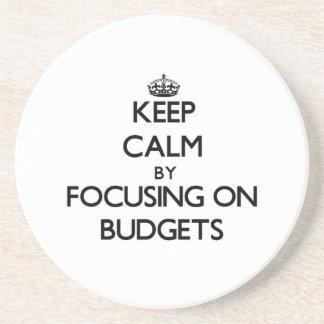 Guarde la calma centrándose en presupuestos posavasos diseño