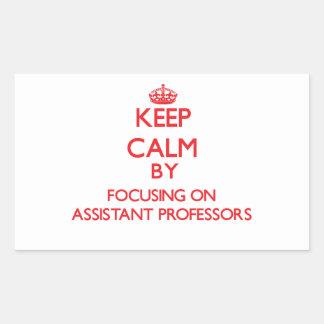 Guarde la calma centrándose en profesores adjuntos rectangular altavoz