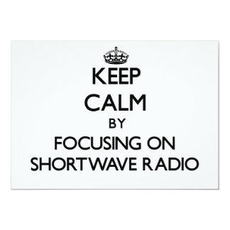 Guarde la calma centrándose en radio de la onda invitación 12,7 x 17,8 cm