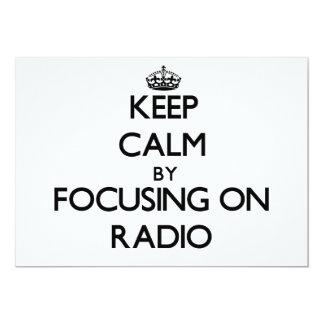 Guarde la calma centrándose en radio comunicado