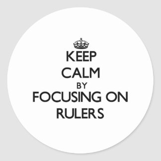 Guarde la calma centrándose en reglas pegatinas redondas