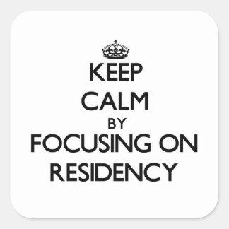 Guarde la calma centrándose en residencia calcomania cuadradas personalizadas