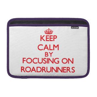 Guarde la calma centrándose en Roadrunners Fundas Para Macbook Air
