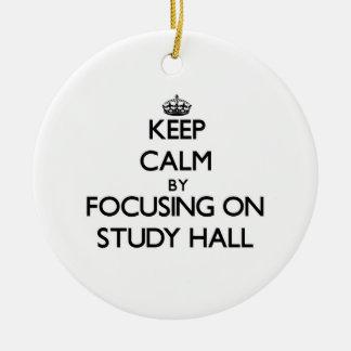 Guarde la calma centrándose en sala de estudio ornamento para reyes magos
