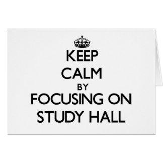 Guarde la calma centrándose en sala de estudio tarjeta pequeña