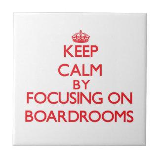 Guarde la calma centrándose en salas de reunión azulejo