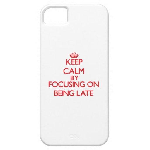 Guarde la calma centrándose en ser atrasado iPhone 5 protector