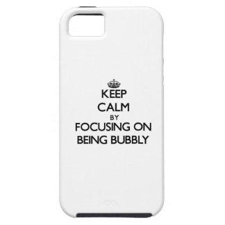 Guarde la calma centrándose en ser burbujeante iPhone 5 protector