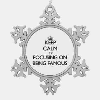 Guarde la calma centrándose en ser famoso adorno
